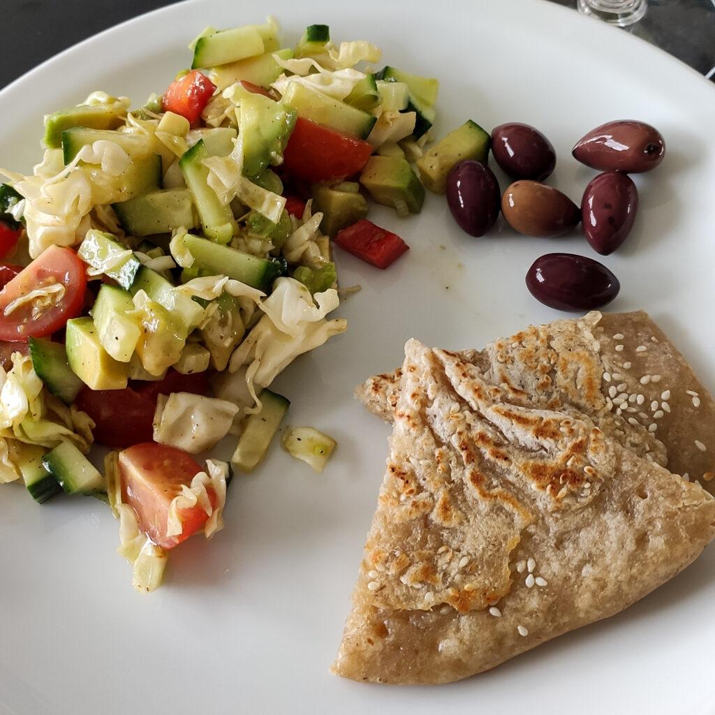 Surdejspandekager med salat